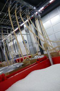 Bis zu drei Tonnen Material pro Stunde kann das System in der letzten Ausbaustufe verlässlich transportieren. (Bildquelle: Protec Polymer Processing)