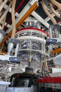 Eine neunschichtige Folie besteht aus bis zu 30 Materialien. (Bildquelle: Protec Polymer Processing)