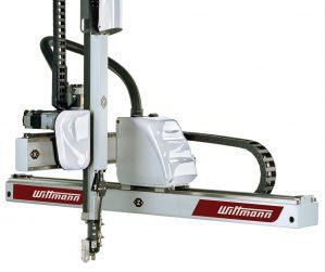 Zwei Robotermodelle der Einstiegsserie Primus hat Wittmann Robot-Systeme im Jahr 2017 vorgestellt: de Primus 14 und den Primus 16 (im Bild). Sie eignen sich für klassische Pick-and-Place-Anwendungen und sind zu einem guten Preis-Leistungs-Verhältnis erhältlich. (Bildquelle: Wittmann)