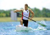 Der Kanu-Olympiasieger von 2012, Sebastian Brendel, setzt voll auf Kunststoff: Vom Kanu über das Paddel bis zur Kleidung. (Bildquelle: Plastiscseurope)