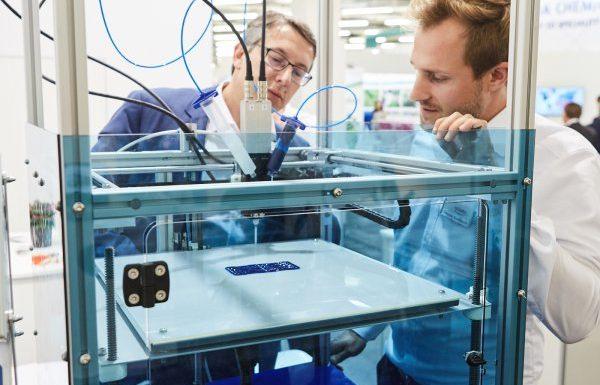 Platz 9: Der X400 V3 von German Reprap, Feldkirchen, ist ein im industriellen Einsatz bewährter 3D Drucker für den Prototypenbau. Das Heizbett sowie der standardmäßig enthaltene DD3-Dual-Extruder kamen in der dritten Generation hinzu. (Bildquelle: German Reprap)
