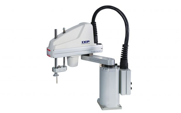 Platz 9: Mit dem Scara-Roboter IXP folgt IAI, Schwalbach, dem Bedarf der kleineren- und mittelgroßen Unternehmen nach einem kostengünstigen Einstieg in die automatisierte Fertigung. Den durch Schrittmotoren angetriebene Scara-Roboter gibt es zunächst mit zwei Armlängen, mit einer Reichweite von 350 beziehungsweise 450 mm. (Bildquelle: IAI)