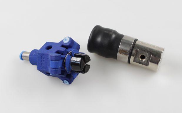 Platz 1: Die beschichteten Innengreifer IGP EP von ASS Maschinenbau, Overath, verfügen über Greifbacken mit einer Elastomer-Polyurethan-Beschichtung mit Shore A Härte 60. Sie haben einen höheren Reibwert als die unbeschichteten und ermöglichen so einen sicheren Halt auch bei sensiblen Materialien und glatten Oberflächen. Die Innengreifer sind mit den Klemmdurchmessern 14 und 20 mm und mit einem Greifbereich von 10 bis 50 mm erhältlich. (Bildquelle: ASS)