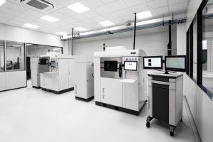 """Eos, Hersteller von Geräten für den industriellen 3D-Druck von Metall und Kunststoff, eröffnet das """"Eos Innovation Center Düsseldorf"""". Das Kunden- und Technologiezentrum unterstützt Unternehmen dabei, 3D-Druck-Projekte umzusetzen. (Bildquelle: Eos)"""