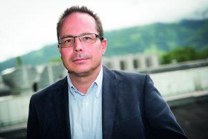 """Es ist ein entscheidender Wettbewerbsvorteil auch im asiatischen Raum direkt vor Ort zu sein, um unsere Kunden schneller und effizienter beliefern zu können"""", sagt Günter Klepsch, Geschäftsführer der Senoplast. (Bildquelle: Senoplast)"""