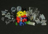 Zum Portfolio des Herstellers gehören in Reinräumen hergestellte Silikonkautschuk-Komponenten für Medizinprodukte der Klasse II und Klasse III (für implantierbare medizinische Geräte). Sehr früh hat sich das Unternehmen mit Überprüfung auf Einhaltung der EN ISO 13485 befasst, um Liefersicherheit herzustellen. (Bildquelle: Flexan)