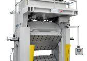 Die Composite-Presse mit gleichzeitig schwenkbarer unterer und oberer Formaufspannplatte vereint optimiertes Handling und kurze Funktionszeiten. (Bildquelle: BBG)
