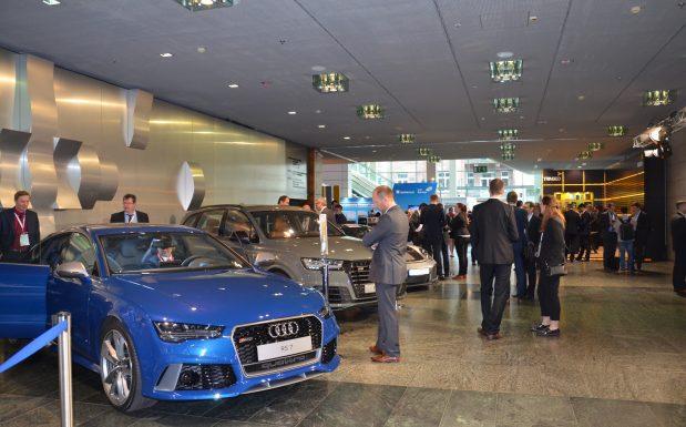 Trends zum Anfassen im Automobilsalon. (Bildquelle: Redaktion Plastverarbeiter/Dr. Etwina Gandert)