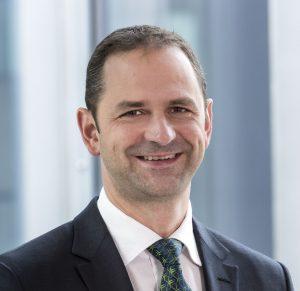 """""""Das Investitionsklima in China ist auf einem neuen Hoch"""", sagte Dr. Christoph Steger, CSO von Engel. Die Märkte in Asien haben einen Anteil von 20 Prozent am Gesamtumsatz der Engel-Gruppe und vor allem in China steigt die Nachfrage an. (Bildquelle: Engel)"""