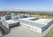 Der Automatisierer B&R hat den Standort Gilgenberg in Österreich erweitert. Damit hat das Unternehmen zusätzliche Flächen für die Produktion, Büroarbeitsplätze und Schulungsräume geschaffen. Außerdem entstand eine neue Logistikhalle. (Bildquelle: B&R)