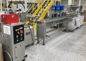 Der Laborextruder produziert Farbmasterbatches wirtschaftlich und in hoher Qualität. (Bildquelle: KraussMaffei Berstorff)