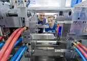 Zukunft im Blick: Die Ansprüche der Abnehmerbranchen an höhere Bauteilqualitäten und eine wirtschaftlichere Fertigung stellen die Werkzeugmacher vor neue Herausforderungen. (Bildquelle: Messe Stuttgart)