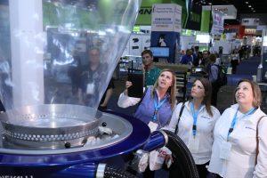 Auf der Kunststoffmesse NPE 2018 in Orlando, Florida, gab es zwölf Technologiezonen, darunter fünf neue wie die Zonen für 3D-/4D-Druck, Medizintechnik oder Kunststoff-Flaschen. (Bildquelle: NPE)