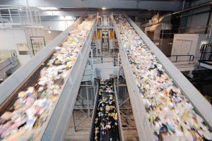Ein flächendeckendes Recycling von Kunststoffverpackungen und -abfällen ist ein Kernziel der EU-Kunststoffstrategie. (Bildquelle: Alba Group)