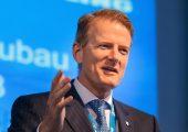 """Prof. Dr. Hanns-Peter Knaebel, Vorstandsvorsitzender der Röchling-Gruppe zu den Geschäftsaussichten: """"Auch in den nächsten Jahren sehe ich beste Chancen, unsere Expansion in allen drei Unternehmensbereichen organisch und durch Akquisitionen weiter voranzutreiben."""""""