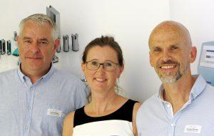 Die Geschäftsführer von I-Mold (v.l.n.r.) auf der Einweihungsfeier: Andy Walter, Bianca Meister und Thomas Meister. (Bildquelle: I-Mold)