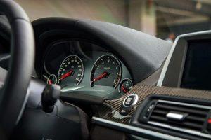 Das Masterbatch wurde entwickelt, um Quietsch- und Knarzgeräusche bei Fahrzeuginnenbauteilen zu eliminieren. (Bildquelle: Dow Performance Silicones)