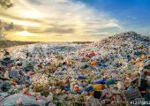 ((500_F_123780524_vqBvLrVx75U7QV5JuUNeigyAFaqLDFHy))Die Europäische Gemeinschaft will von einer linearen zu einer Kreislaufwirtschaft umschwenken. So sollen bis 2030 sämtliche Plastikverpackungen in Europa wiederverwertbar werden. Bildquelle: Adobe Stock @aryfahmed