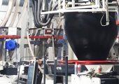 Von der Planung bis zur Produktion der ersten Folie mit dem neuen 9-Schicht-Extruder dauerte es 17 Monate. In diesem Zeitraum wurde neue Werkshalle für den Extruder gebaut und eine neue Infrastruktur in der Produktion geschaffen (Bildquelle: Infiana)