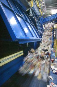 In modernen Sortieranlagen werden Leichtverpackungen sortenrein und automatisch getrennt. Das Ergebnis: hochwertige Materialien für die Verwertung. Bildquelle: Der Grüne Punkt