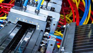 Blick auf die Kalibrierung des Kunststoff-Profils. (Bildquelle: SLS Kunststoffverarbeitungs GmbH)