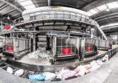 Mittels Infrarot- und Farberkennungsgeräten trennt die technisch verbesserte Sortieranlage von Saubermacher in Graz Kunststoffverpackungen sortenrein in 14 Fraktionen. (Bildquelle: Saubermacher Dienstleistungs AG)