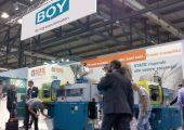 Zwischenstopp auf Messetournee: die Mailänder Kunststoffmesse (Bildquelle: Dr. Boy)
