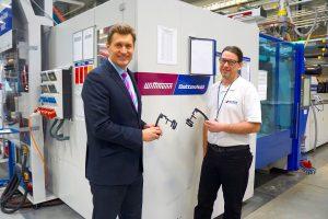 Wittmann Battenfeld CZ Geschäftsführer Michal Slaba und Pavel Karas, Produktionsleiter Spritzguss bei Witte Ostrov, blicken auf eine langjährig erfolgreiche Zusammenarbeit zurück.