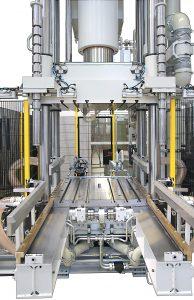 Der Werkzeugeinbauraum ist mit einer sehr präzisen Temperatursteuerung ausgestattet.