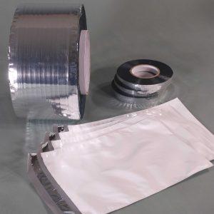 Das antistatische Verschlussband BCT 4390 hat einen reversiblen Klebstofffilm und lässt sich daher mehrfach wieder verschließen. (Bildquelle: Schümann)