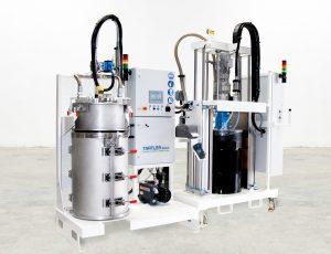 Volle Fässer ohne Luft: Mit der halbautomatischen Vakuumstation können Materialhersteller pastöse und hochviskose Fluide luftfrei in 200-Liter-Deckelfässer abfüllen. (Bildquelle: Tartler)