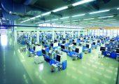Produktionshalle fürden Mehrkomponentenspritzguss (Bildquelle: Starlim Sterner)