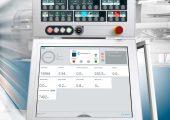 Die Axos-Spritzgießmaschinensteuerung mit der Steuerungsoption Smart Operation stellt die geführte und sichere Bedienung im Zustand Produktionsbetrieb sicher. (Bildquelle: Netstal)