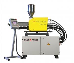 Die Plugxpress-Zusatzeinheit für Mehrkomponentenspritzguss ist an jede Maschine andockbar. Die Zusatzeinheit verfügt über eine Drei-Zonen-Schnecke von 16 bis 105 mm, eine B&R-Steuerung und einem 15-Zoll-Touchscreen. (Bildquelle: Windsor)