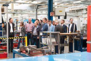 Betriebsrundgang während den Technologietagen. (Bildquelle: Günther)