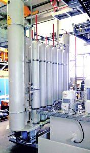 Kolbenspeicheranlage am Hauptantrieb der Großblasfertigung in Watertown. (Bildquelle: Roth Hydraulics)