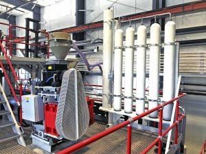 Insgesamt drei Kolbenspeicheranlagen sind Bestandteil der Großblasfertigungsanlage bei Roth USA in Watertown. (Bildquelle: Roth Hydraulics)