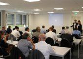Rund 35 Teilnehmer besuchten den ersten Technologietag am neuen Unternehmenssitz von Wilhelm Weber in Esslingen. Ganz vorn im Bild (stehend) die beiden Geschäftsführer Elvira Postic und Martin A. Bauer. (Bildquelle: Wilhelm Weber)