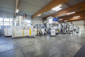 Mit der LSP Technologie verarbeitet die NGR Recyclinganlage rPET Sheet Flakes direkt zu lebensmitteltauglicher Folie. (Bildquelle: NGR)