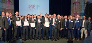 Gruppenbild mit Gesamtsieger und allen Kategorie-Gewinnern. (Bildquelle: Fraunhofer IPT)