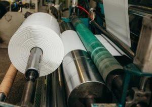 Das Masterbatch reduziert den Reibungskoeffizienten von Folien aus Polyethylen geringer Dichte zur Optimierung der Fertigung von flexiblen Verpackungen.  (Bildquelle: Dow)