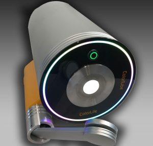 Das Colortube Spektralphotometer von Colorlite beherrscht sowohl die Reflektions- als auch die Transmissionsmessung an Kunststoffteilen. (Bildquelle: Colorlite)