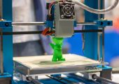 3D Drucker und Kunststoffgebilde (Bildquelle:   Patrick Daxenbichler)