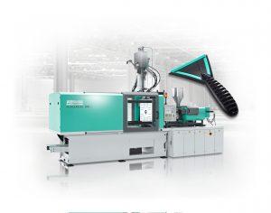Das Mehrkomponenten-Spritzgießen wird anhand der Fertigung von Eiskratzer aus ABS und TPE demonstriert. (Bildquelle: Arburg)