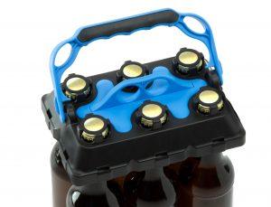Bottle-Buddy mit Lasten: Die Flaschen werden durch den Verschluss festgehalten, egal ob der Kronkorken noch dran ist oder entfernt wurde. (Bildquelle: Mecadat)