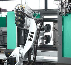 Mehrachsroboter im Einsatz (Bildquelle: Arburg)