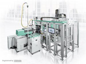 Die Anlagen können mit dem Arburg Turnkey Control Module (ATCM) ausgestattet werden. Das neue Scada-System ermöglicht eine hundertprozentige Rückverfolgung von Prozess- und Qualitätsdaten. (Bildquelle: Arburg)