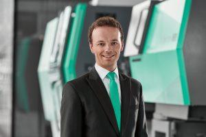 Andreas Ziefle ist Projektingenieur Turnkey bei Arburg und referierte auf den Technologie-Tagen 2019 über Trends und Technologieveränderungen im Automobilbau. (Bildquelle: Arburg)