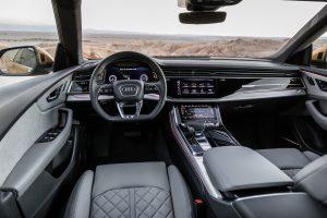 Das Innenraumdesign wird zunehmend schlichter. Der Audi Q8 weist hierfür den Weg. (Bildquelle: Audi)