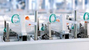 Herstellung von Infusionsüberleitungsgeräten in der Medicalfertigung im Werk Pfieffeweisen in Melsungen. (Bildquelle: B. Braun)